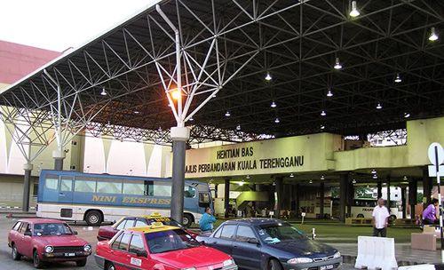 Kereta Sewa di Terminal Bas Kuala Terengganu